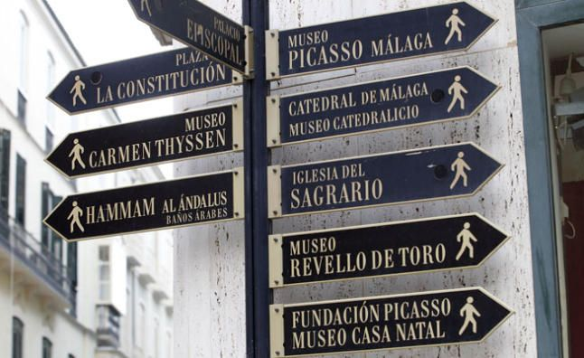 Ruta por lo m s destacado de la m laga muse stica for Oficinas de correos en malaga capital